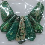 green imperial jasper sword shape charm beads for collar necklace