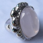 Rose Quartz oval cabochon silver ring