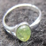 Green Quartz Prehnite oval cabochon silver ring