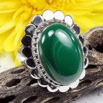 Malachite oval cabochon ring