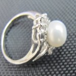 white cream fresh water pearl sterling silver ring