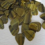 Tiger's eye stone guitar pick pendant charm for necklace and play guitar